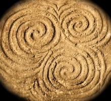 Triple_spiral_2